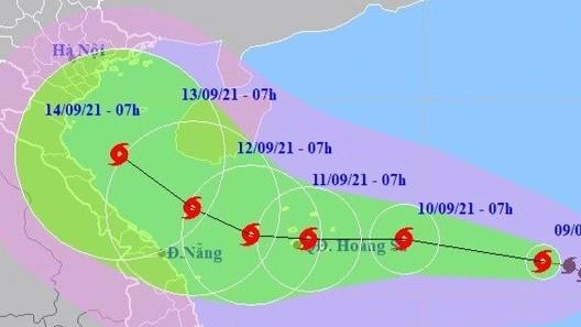 Bộ Y tế yêu cầu trực cấp cứu 24/24, đảm bảo an toàn cho người dân trong bão số 5 (CONSON) - Ảnh 1.