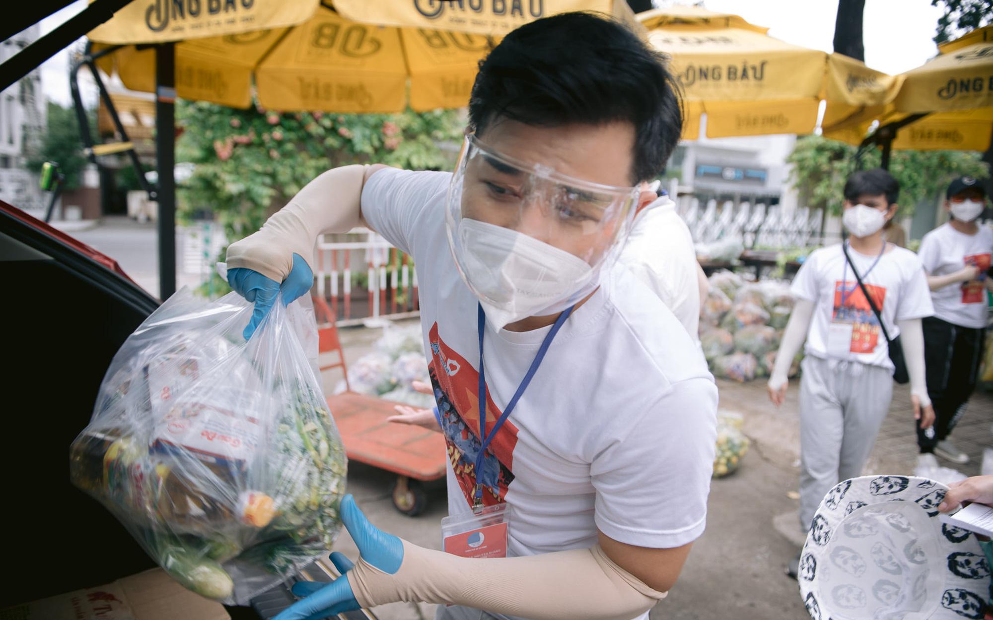 MC Nguyên Khang: Không yêu Sài Gòn sao được