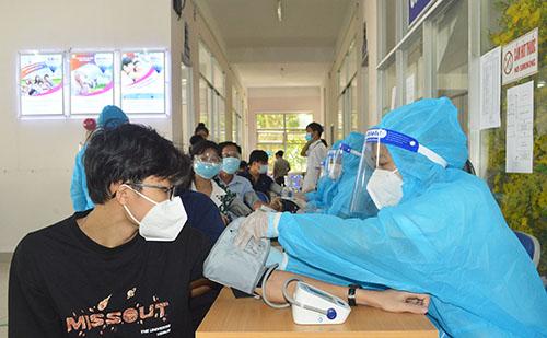 Hướng dẫn mới nhất của Bộ Y tế: Không cần đo huyết áp tất cả người tiêm vaccine COVID-19 - Ảnh 1.