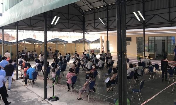 Đến ngày 10/9, Khánh Hòa đã tiêm 439.810 liều vaccine phòng COVID-19 cho người dân - Ảnh 2.