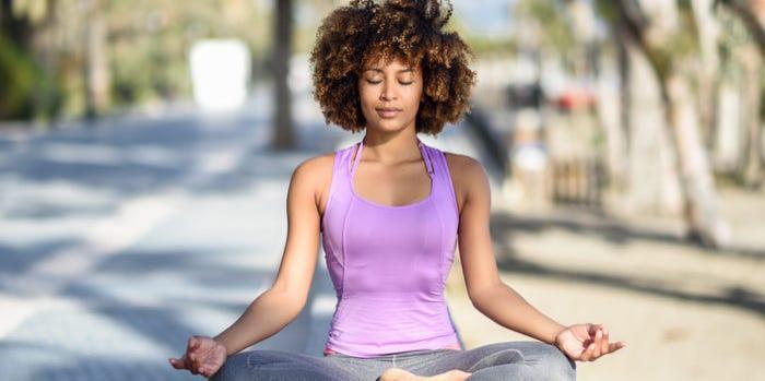 7 lợi ích sức khỏe thể chất và tinh thần của yoga  - ảnh 4