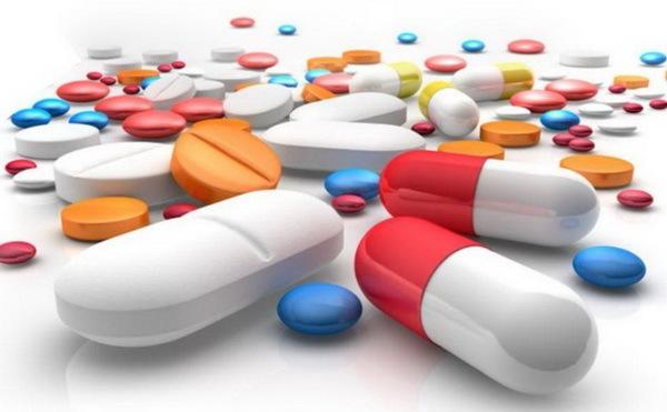 Lạm dụng thuốc hạ sốt, nhiều bệnh nhân tự làm hại mình mà không biết - Ảnh 1.