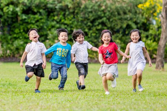 Hỗ trợ trẻ chậm nói - 7 ghi nhớ dành cho cha mẹ - Ảnh 2.