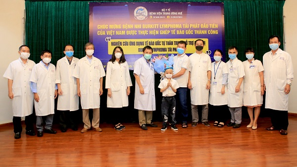 Lần đầu tiên Việt Nam ghép tế bào gốc thành công cho bệnh nhi u Lymphoma Burkitt tái phát - Ảnh 2.