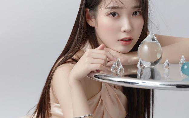 """""""Sao"""" làm đẹp: """"Em gái quốc dân"""" Kpop IU tiết lộ bí quyết sở hữu làn da cực phẩm"""