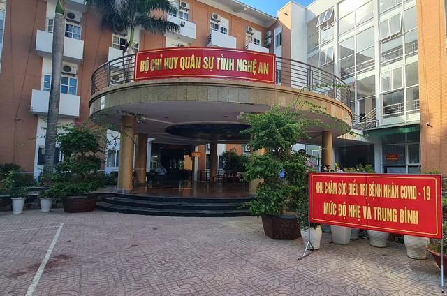 Nhịp sống bên trong Bệnh viện dã chiến số 4 ở Nghệ An - Ảnh 1.
