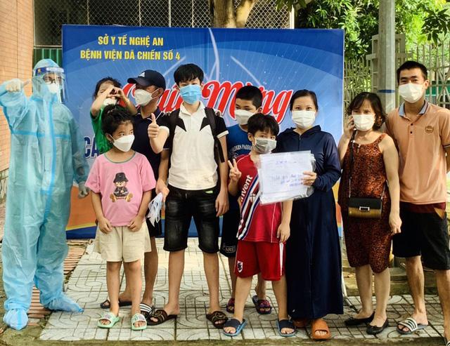 Nhịp sống bên trong Bệnh viện dã chiến số 4 ở Nghệ An - Ảnh 12.