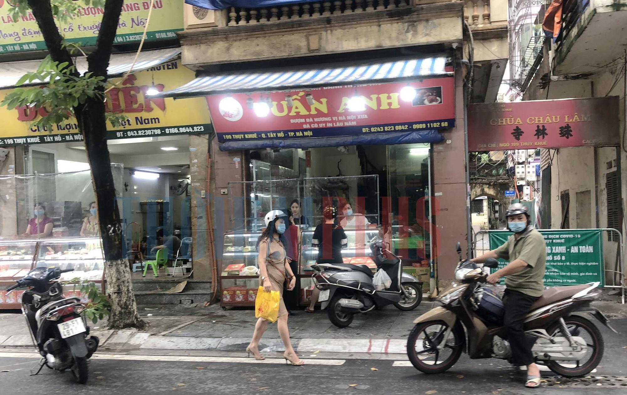 Để khách xếp hàng tấp nập, cửa hàng bánh trung thu Bảo Phương bị đóng cửa - Ảnh 10.