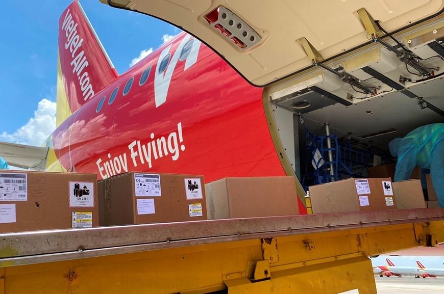 """Kinh doanh thiệt hại nặng, hàng không vẫn chung tay cùng ngành y tế vượt """"bão"""" COVID-19 - Ảnh 1."""