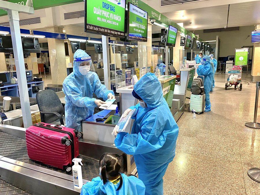 """Kinh doanh thiệt hại nặng, hàng không vẫn chung tay cùng ngành y tế vượt """"bão"""" COVID-19 - Ảnh 3."""