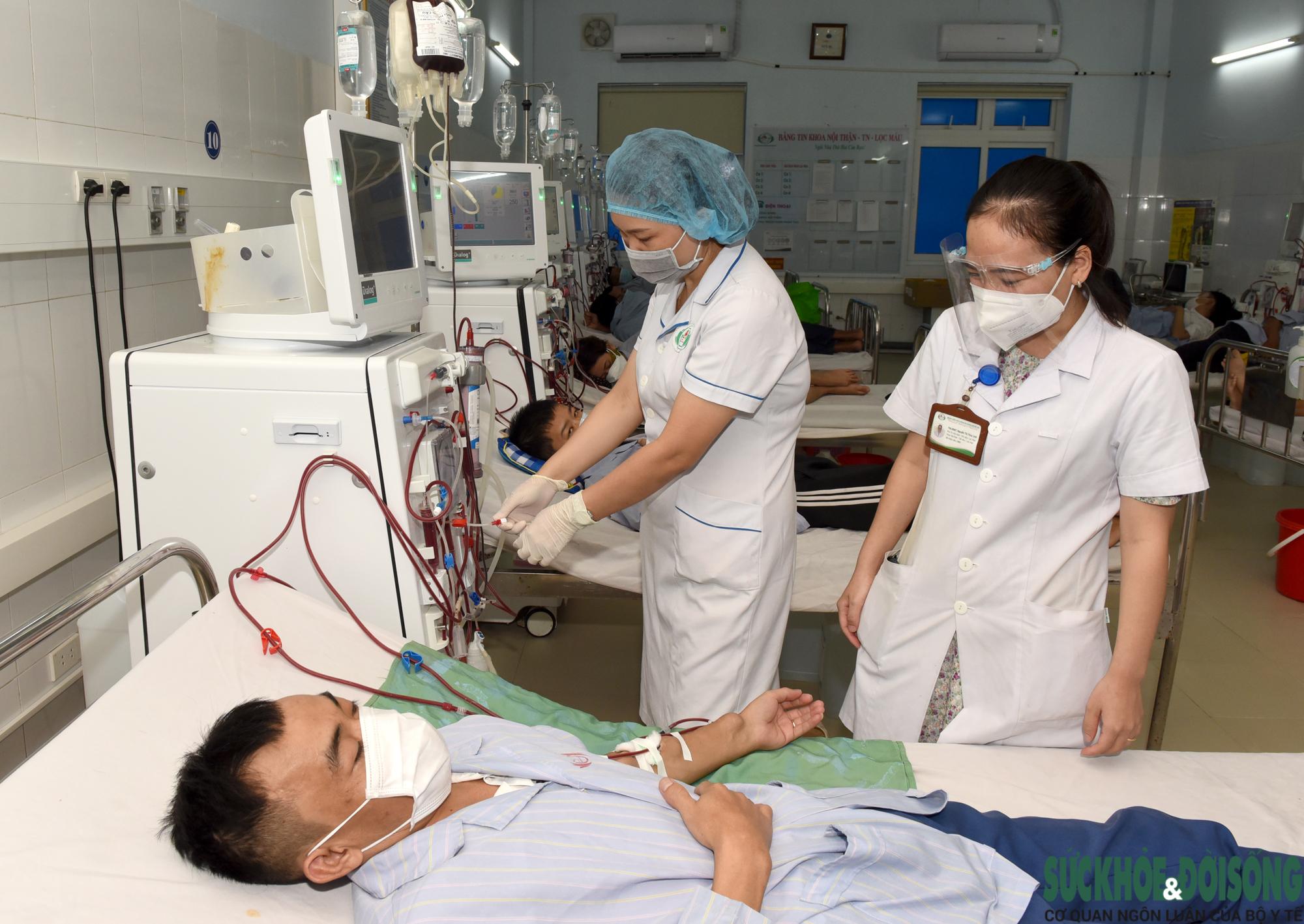 Hàng trăm Thầy thuốc hiến máu cứu bệnh nhân giữa đại dịch - Ảnh 2.