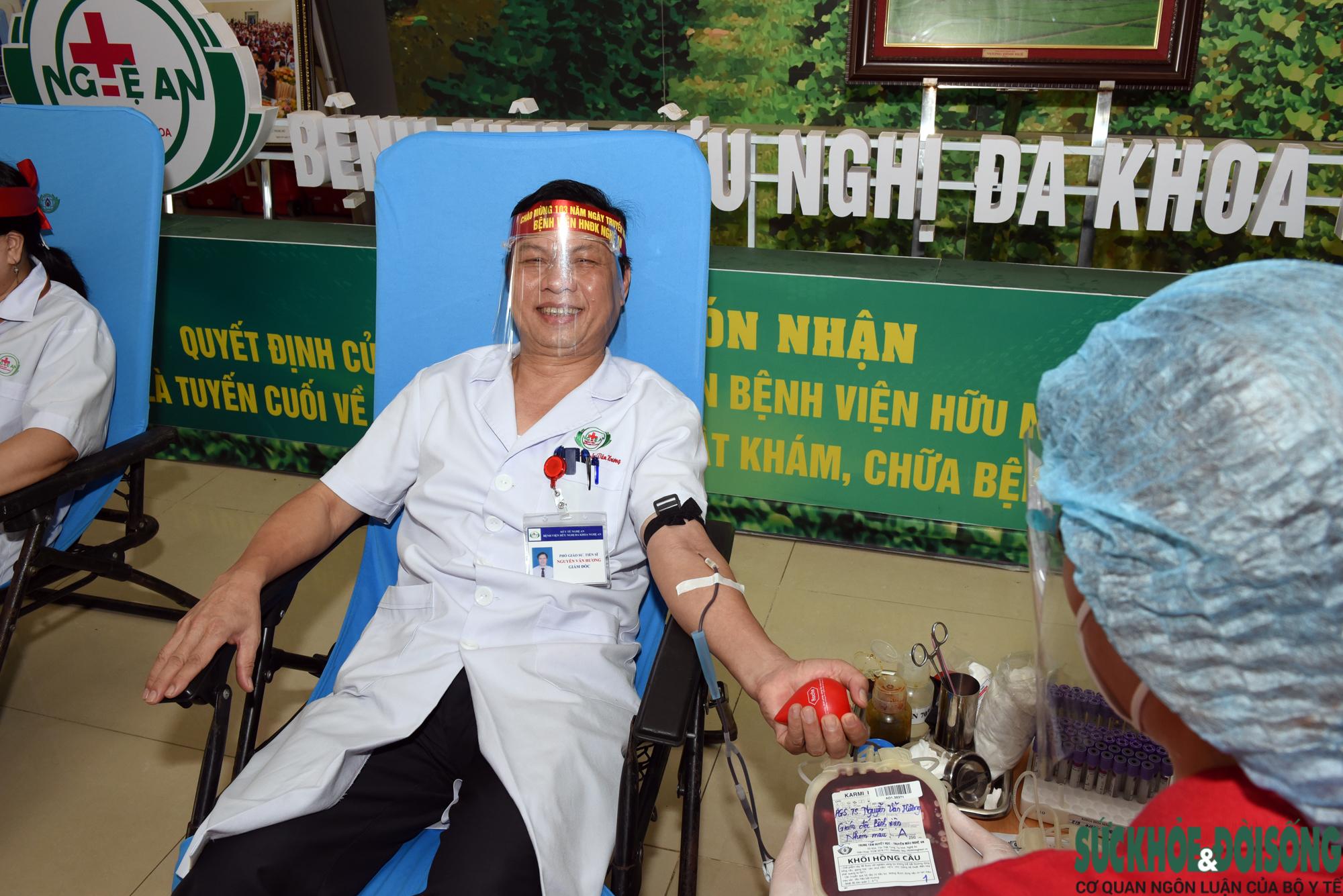 Hàng trăm Thầy thuốc hiến máu cứu bệnh nhân giữa đại dịch - Ảnh 3.