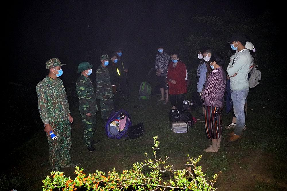 Phát hiện nhiều nhóm người nhập cảnh trái phép vào Việt Nam qua các đường mòn, lối mở - Ảnh 3.