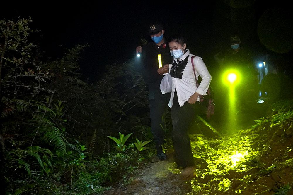 Phát hiện nhiều nhóm người nhập cảnh trái phép vào Việt Nam qua các đường mòn, lối mở - Ảnh 5.