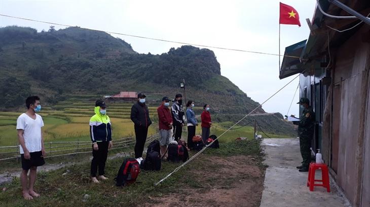 Phát hiện nhiều nhóm người nhập cảnh trái phép vào Việt Nam qua các đường mòn, lối mở - Ảnh 2.