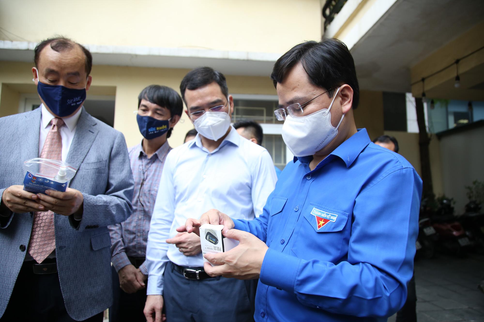 Hội Thầy thuốc trẻ, đại diện WHO tại Việt Nam xuống bếp làm bánh trung thu tặng tuyến đầu chống dịch - Ảnh 12.