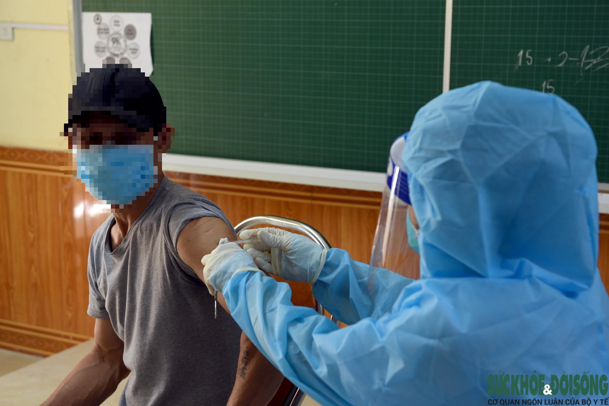 Giám đốc Sở Y tế Nghệ An thông tin về việc cụ ông 82 tuổi bị tử vong sau tiêm vaccine - Ảnh 2.