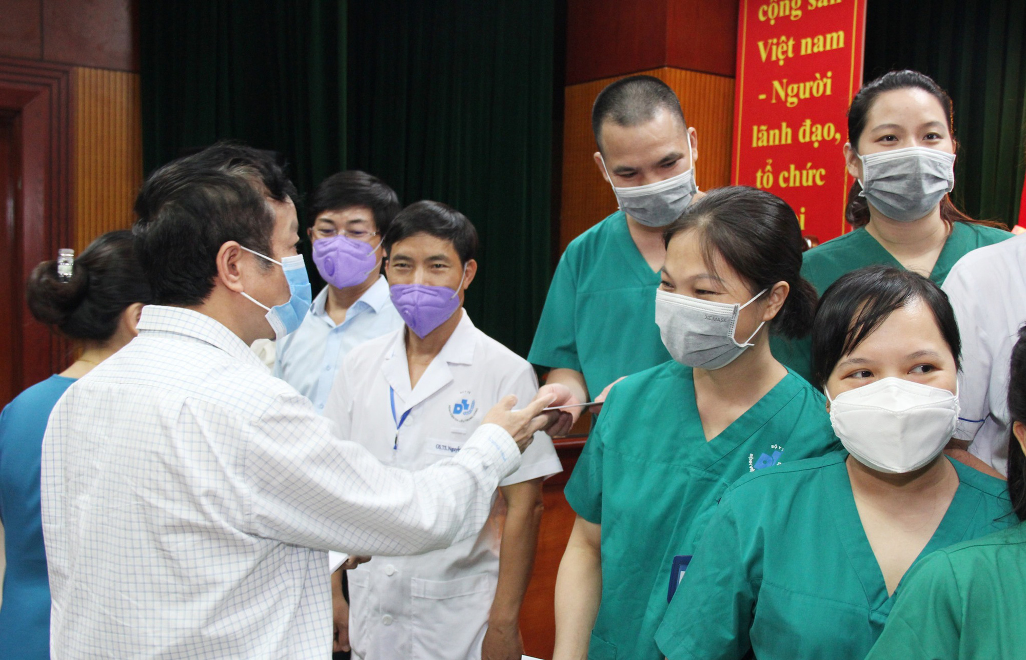 Lần thứ 3, thầy thuốc BV Da liễu Trung ương chi viện miền Nam chống dịch - Ảnh 3.