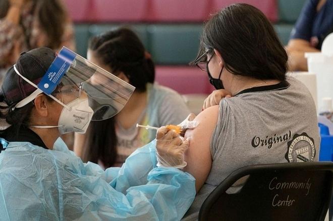 2,54 tỷ người trên thế giới đã tiêm đủ liều vaccine COVID-19 - Ảnh 2.