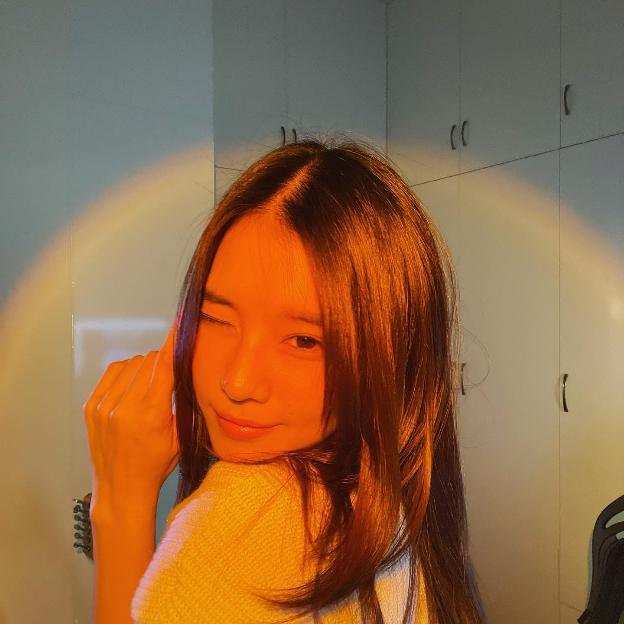 photo-1632667430989