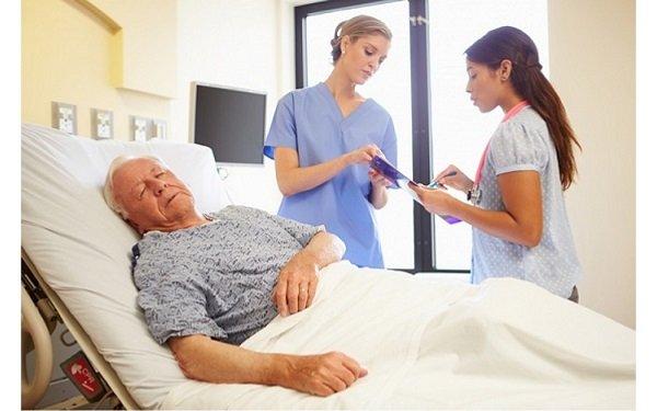 Người bệnh nằm lâu ngày coi chừng thêm bệnh mới - Ảnh 3.