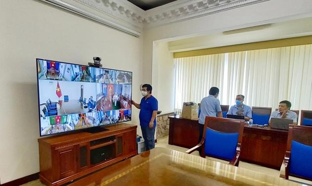 """""""Thần tốc"""" triển khai Trung tâm chỉ huy và hệ thống họp trực tuyến để Thủ tướng chỉ đạo chống dịch - Ảnh 2."""