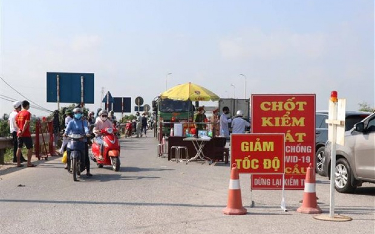 Chi tiết 39 chốt 'vùng đỏ' vừa được Hà Nội lập để kiểm soát người dân