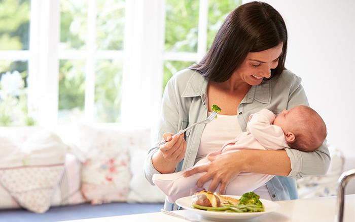 Sau sinh mẹ nên ăn gì để vừa tốt sữa vừa không tăng cân?