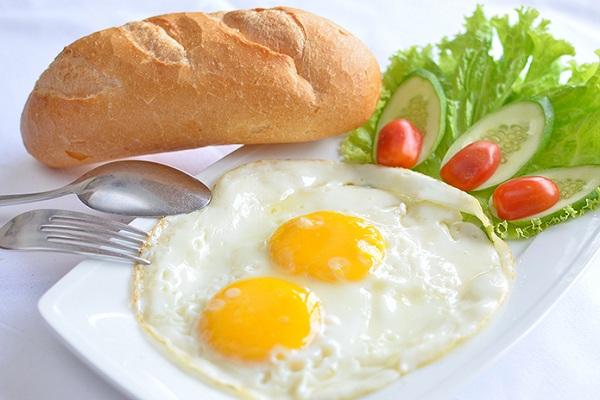 Nhịn ăn sáng để giảm cân – Việc làm cần dừng lại ngay - Ảnh 2.
