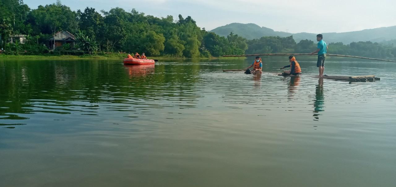 Lật bè 2 người tại Thanh Hóa đuối nước thương tâm - Ảnh 1.