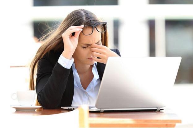 Mùa dịch sử dụng máy tính nhiều, bổ sung vitamin A như thế nào để bảo vệ mắt?