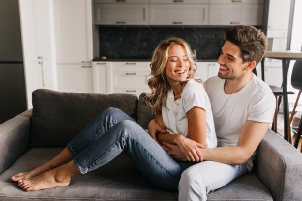 5 ngôn ngữ tình yêu gắn kết cặp đôi hơn cả... sex - ảnh 4