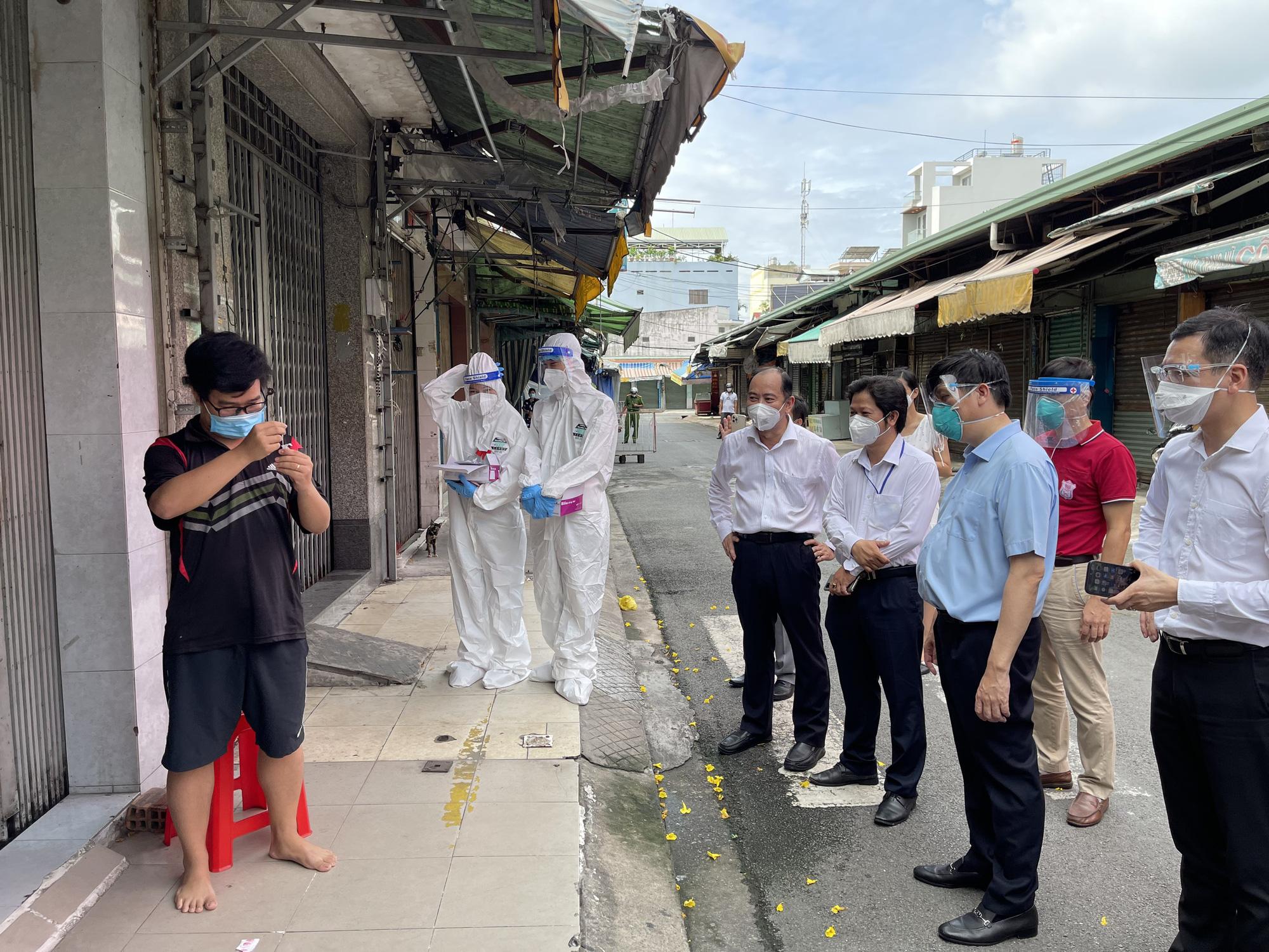 Bộ trưởng Bộ Y tế: 3 nhóm địa phương thực hiện tiêu chí kiểm soát dịch COVID-19   - Ảnh 2.