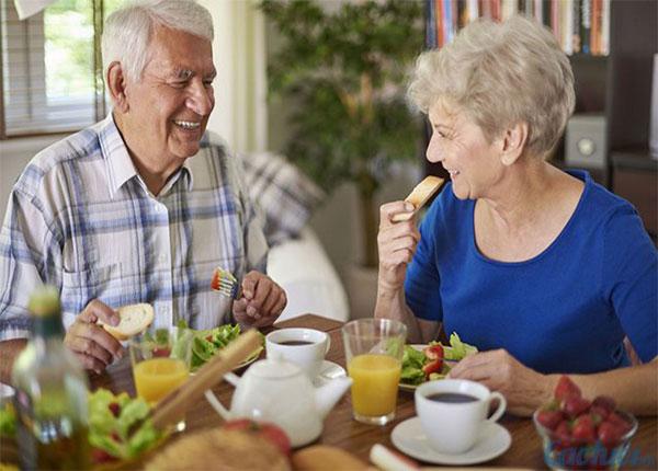 Thực phẩm người cao tuổi nên ăn trong mùa thu để nâng cao sức khỏe - Ảnh 5.