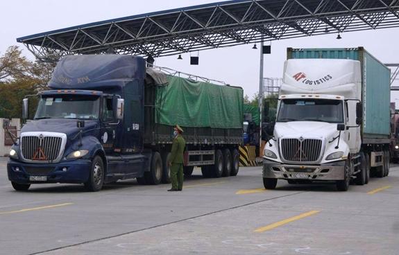 Gỡ vướng kịp thời, hiệu quả hoạt động vận tải, lưu thông hàng hóa - Ảnh 2.