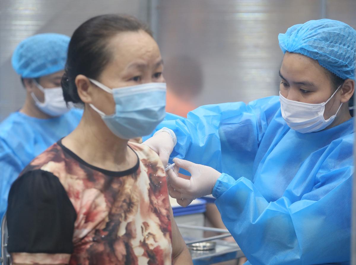 Trưa 9/9: Quảng Bình thêm ca mắc COVID-19; TP HCM yêu cầu đảm bảo chế độ, bữa ăn cho nhân viên y tế - Ảnh 1.