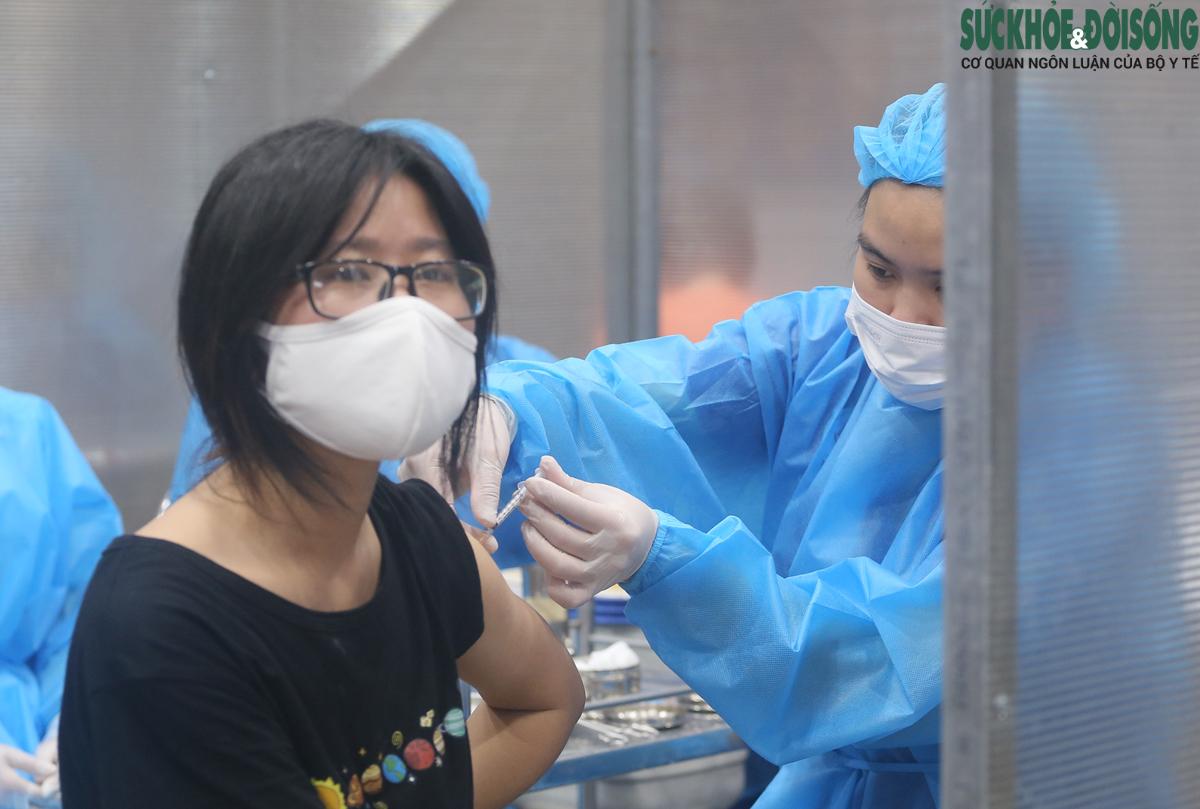 Trưa 3/10: Cả nước tiêm gần 45,2 triệu liều vaccine COVID-19; Quảng Bình, Bến Tre thêm các ca F0 - Ảnh 1.