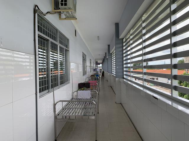 Khu điều trị mới dự kiến có công suất tối đa 100 giường, sử dụng tầng 2 và 3 của khoa Ngoại và khoa Sản làm khu điều trị cho bệnh nhân COVID-19