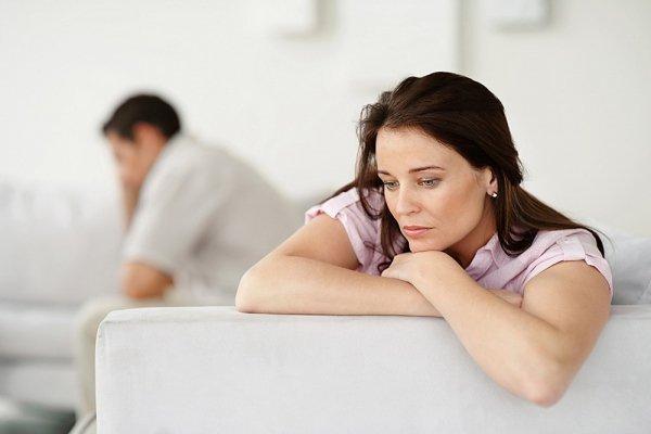 Một số phụ nữ có sự thay đổi tâm trạng, cảm giác trong người luôn khó chịu hoặc có thể làm tăng nguy cơ gây trầm cảm.