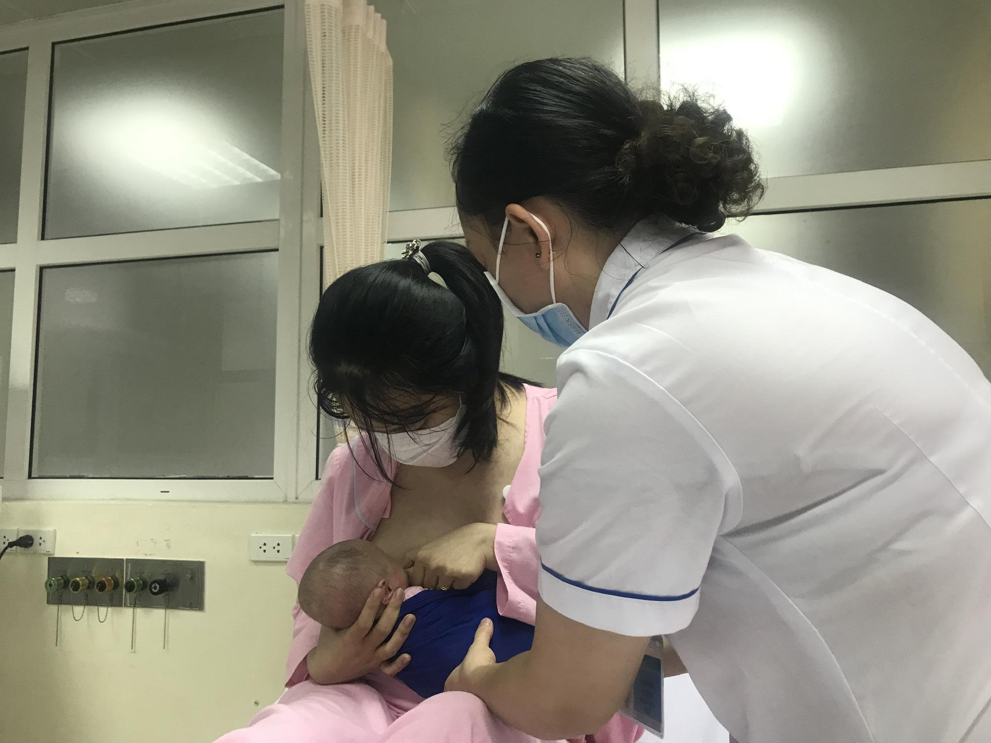 Kỳ diệu, cứu sống và nuôi dưỡng thành công trẻ sơ sinh nặng 400gram đầu tiên tại Việt Nam   - Ảnh 4.