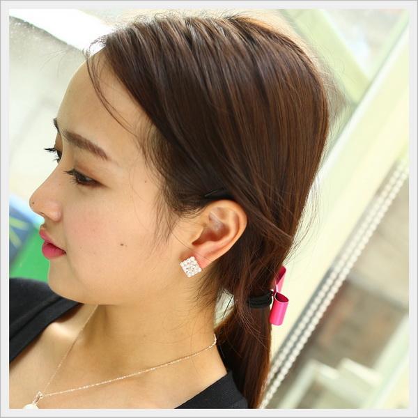 Chọn khuyên tai phù hợp với gương mặt dài