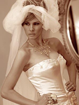 Chiếc váy cưới độc đáo của Melania Trump