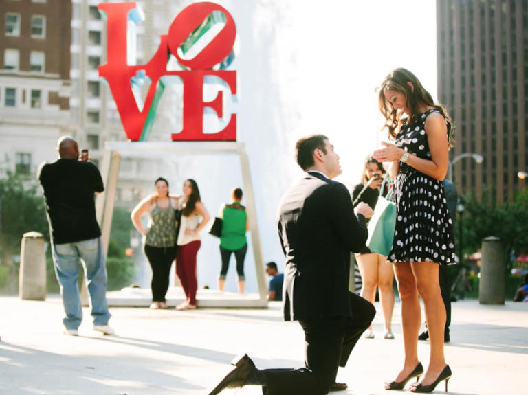 cầu hôn lãng mạn và phiêu lưu