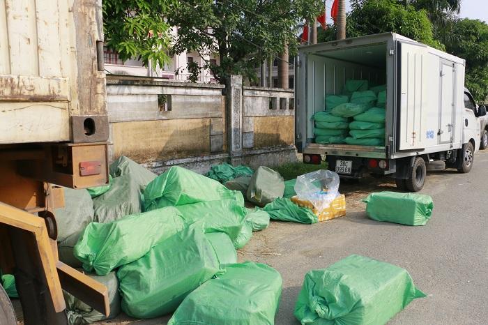 Bắt xe container vận chuyển gần 4,3 tấn thịt, nội tạng động vật không rõ nguồn gốc