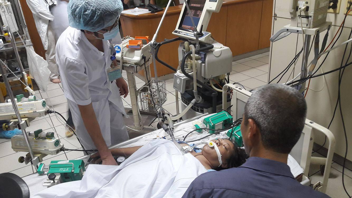 Hai bệnh nhân nặng đang ở phòng hồi sức