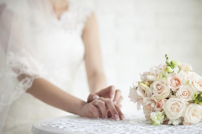 Cách bó hoa hồng cưới tuyệt đẹp cho cô dâu