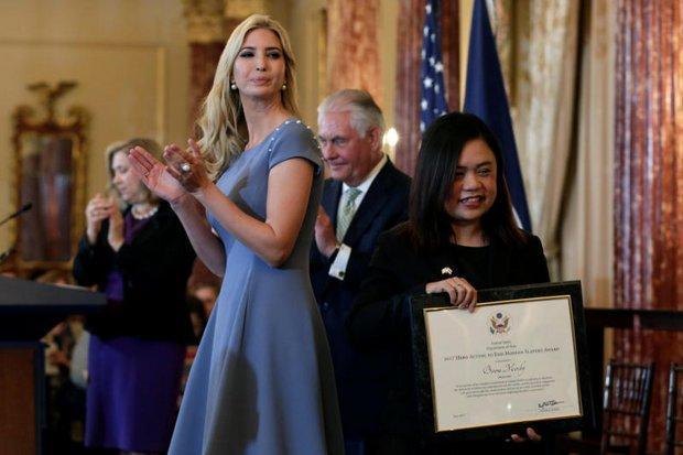 Boom Mosby nhận giải thưởng Anh hùng (Hero Award) từ Ivanka Trump