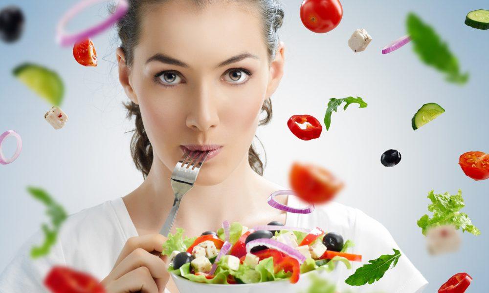 lợi ích tuyệt vời của salad đối với sức khỏe & sắc đẹp