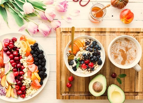 Salad hoa quả cho làn da căng mọng