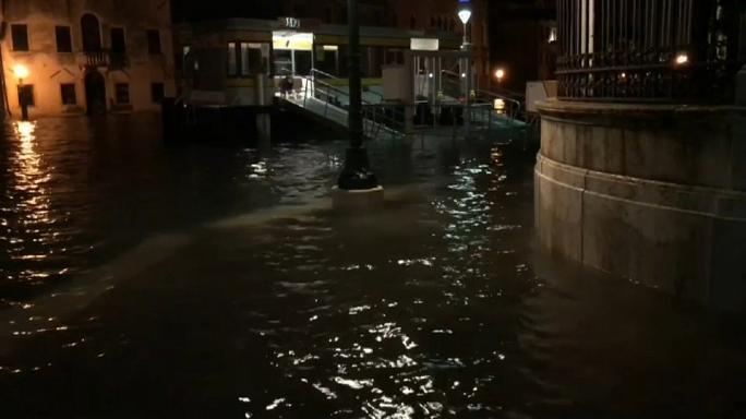 Mực nước dâng ở Venice sau mưa lớn